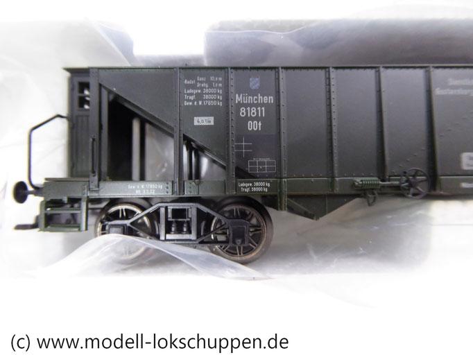 Märklin 46802 2 Kohletrichterwagen der K.Bay.Sts.B. Ep. 1 mit echter Kohle