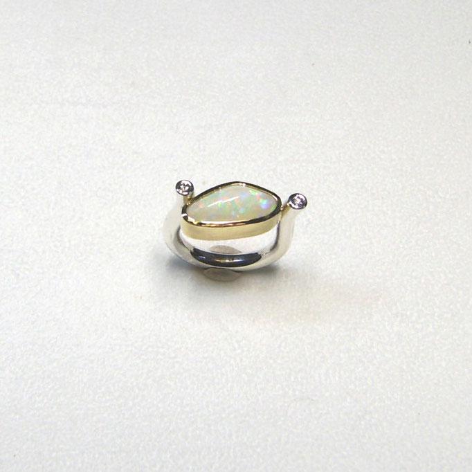 Ring mit Opal, Brillanten, Gold 750