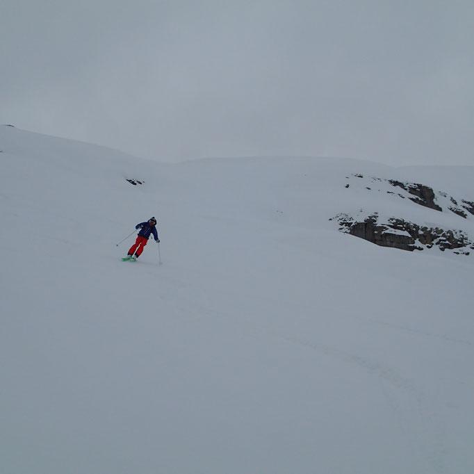 Toujours bon avec les skis larges !