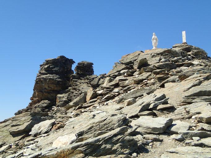 La vierge et le signal au sommet du Ruitor
