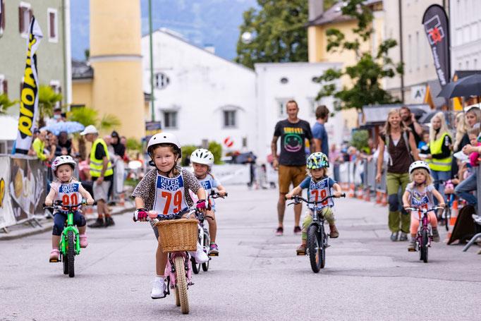 Viel Action am Lienzer Hauptplatz  © Expa Pictures