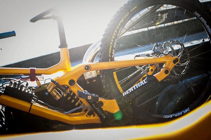 PIRELLI prototype detail Rogue Racing bike @MatteoCianciosi