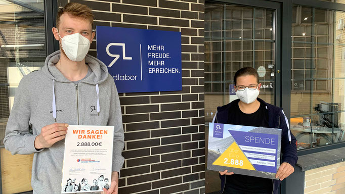 Radlabor Spendenübergabe - Hilfe für krebskranke Kinder Frankfurt