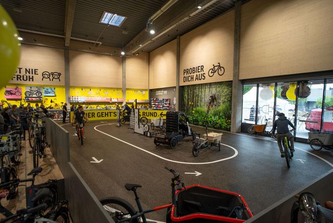 Die neue Firmenzentrale und Filiale der LuckyBike.de GmbH in Bielefeld. Fotorechte: Lucky Bike.de GmbH