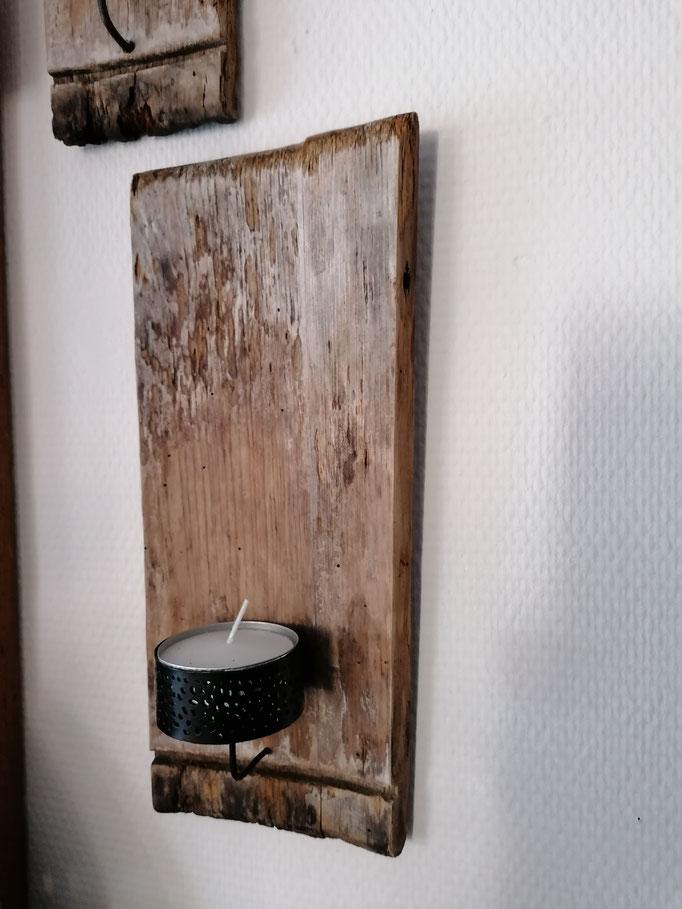 Tafel aus Altholz mit Teelichthalter. ca. 10 x 32 und13 x 32, Fr. 49.-