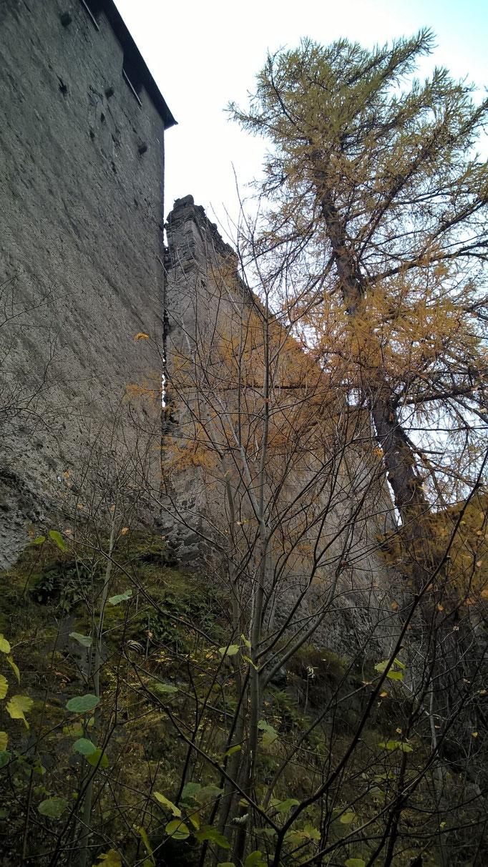 Bergfried und Palas von Norden Heinfels; Burgenstraße Pustertal