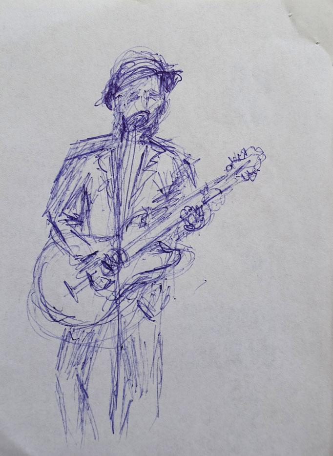 Johanna Schott // Gitarrist // Kugelschreiber auf Papier // 10,5 x 14,7 cm // 2020