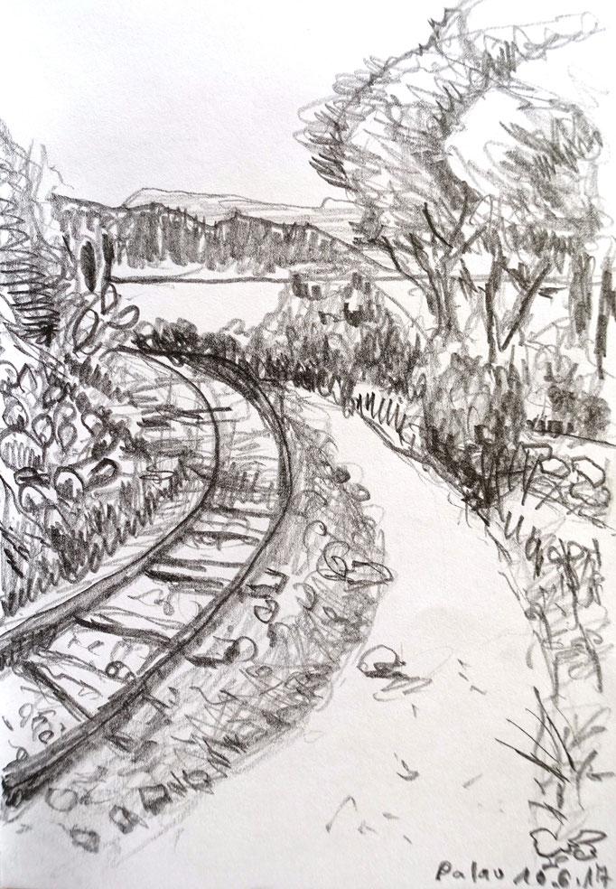 Johanna Schott // Bahnschienen, Palau, Sardinien // Bleistift // Skizzenbuch // 10 x 14,8 cm // 2017