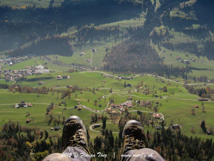2015.10.31 Flug im Simmental, oberhalb Erlenbach