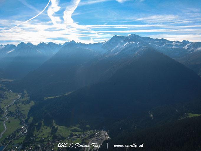 2015.09.26 Flug von Gotschna in Richtung Klosters
