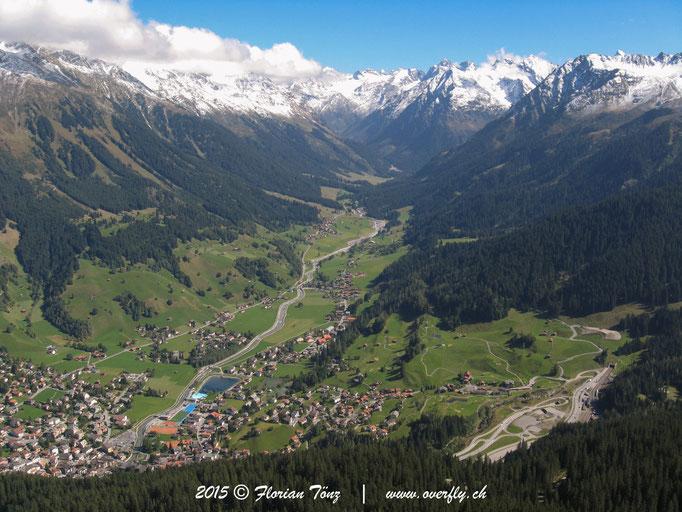 2015.09.25 Flug von Gotschna in Richtung Klosters