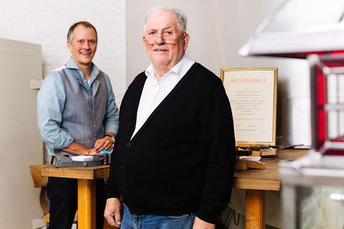 Goldschmiedemeister Detlef Felten und Goldschmied und Diplom Industrie Designer Gregor Felten