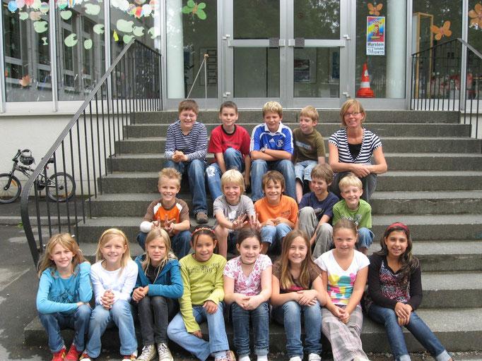Abgänger 2009 (Gutenberg) - Klassenlehrerin Frau Scheithauer