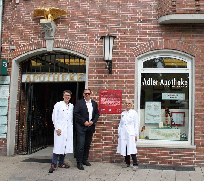 Privilegierte Adler Apotheke, Wandsbeker Marktstraße 73, Öffnungszeiten: Montag - Sonntag von 8-24 Uhr