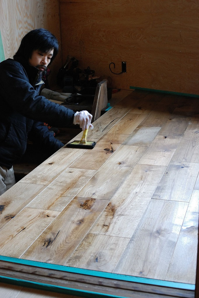 オーク 乱尺 無垢フローリング キャラクター 塗装 andwood アンドウッド kado shoe repair & beer stop