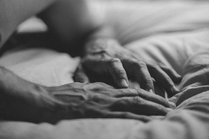 Delphine Grigné, photographe en Sarthe, séance photos portrait homme détails mains