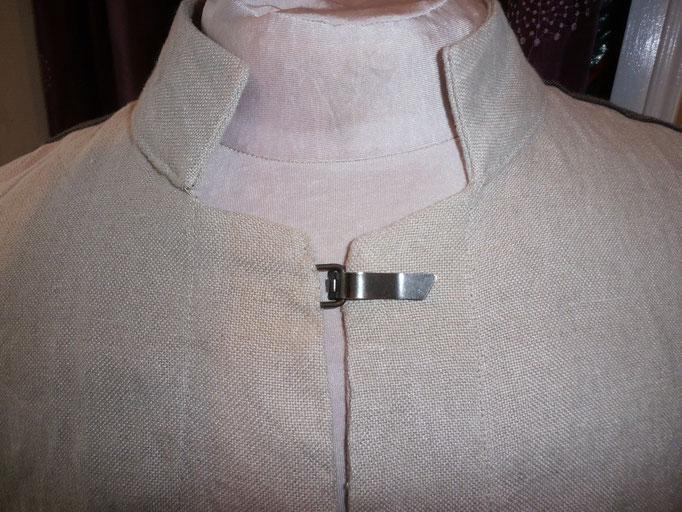 O fil des EthniesSur veste en lin