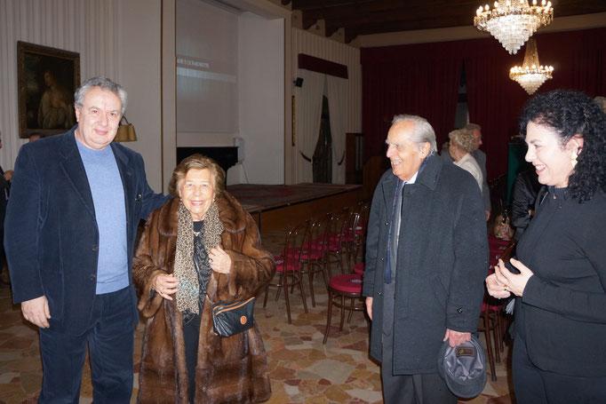 Il regista Mauro Vittorio Quattrina con la signora Negrini Panziera la segretaria del processo di Ciano