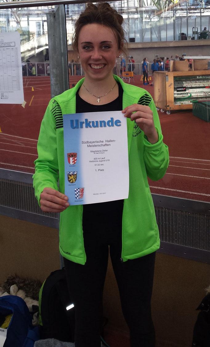 Magdalena läuft mit 61,02 sec über 400m auf Patz 1 und wird südbayrische Meisterin