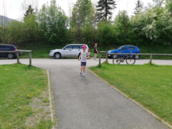 Antonia ist als Erste wieder am Sportplatz !! Super gemacht :)