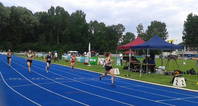 Magdalena läuft neue pers. Bestzeit über 400m: 60,70s