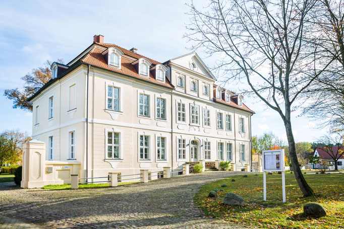 Schloss Grube Dorfseite