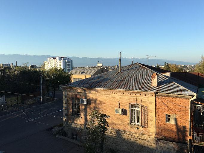 Hotel Edemi in Kutaisi - Blick über den Ort