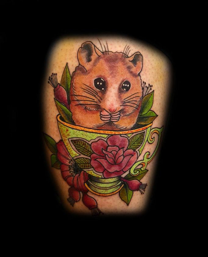 Hamster in der Tasse
