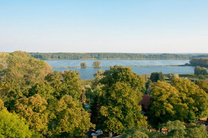 Altfriedland umgeben von Seen und Wäldern