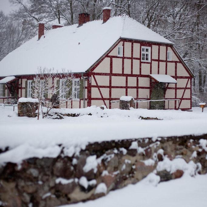 Das Pfarrhaus Altfriedland im Winter