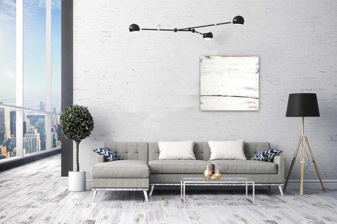 weißes Bild über Sofa als Beispiel