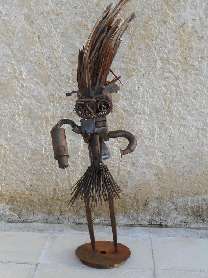 Guerrier (fer et bois ) h 100cm indisponible