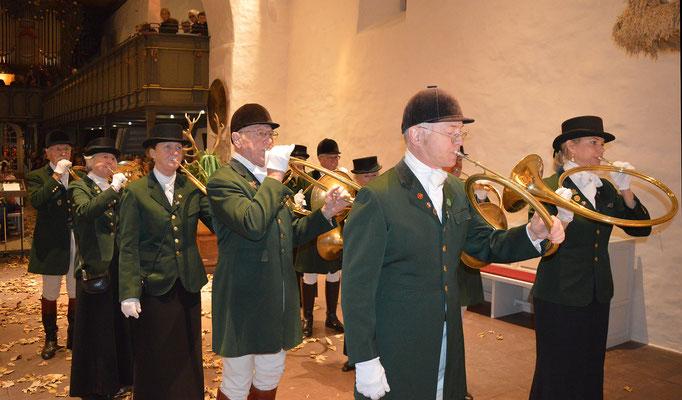 Für ein eindringliches musikalisches Erlebnis sorgten die Parforcehornbläser Rendsburg-Schleswig; Foto: Deppe
