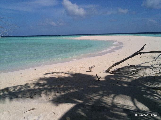 am Westlichen Ende der Insel eine Sandzunge