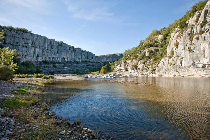 Auvergne-Rhône-Alpes,  Ardèche, Felswände, Canyon, Wildnis