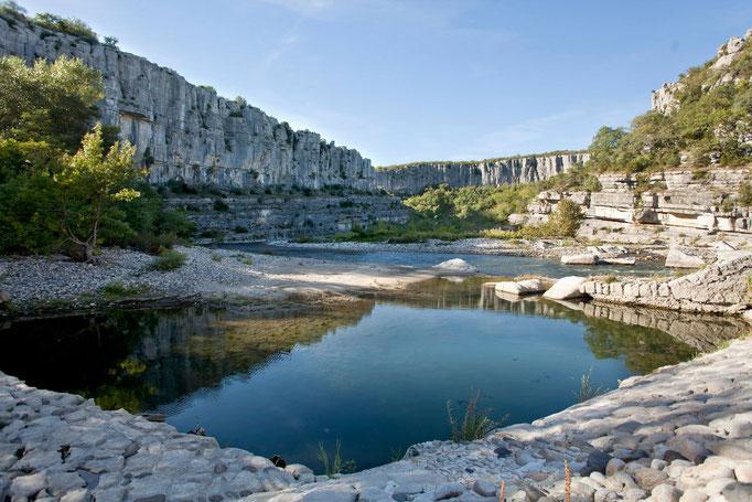 Ardèche, Pradons, Felswände, Canyon, Wildnis