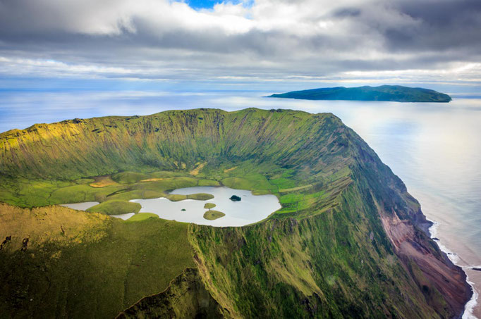Corvo Island copyright Samuel Domingues