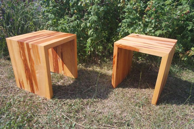 Sitzhocker auf gehrung aus Zwetschgenholz