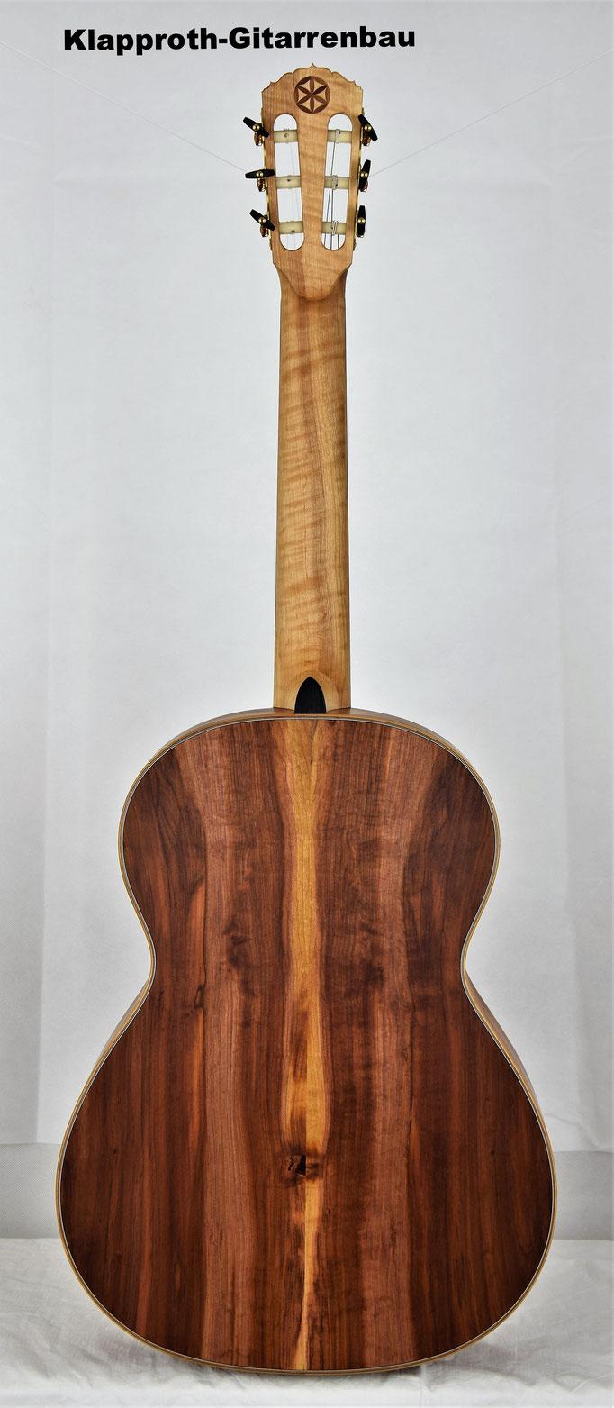 www.klapproth-gitarrenbau.de