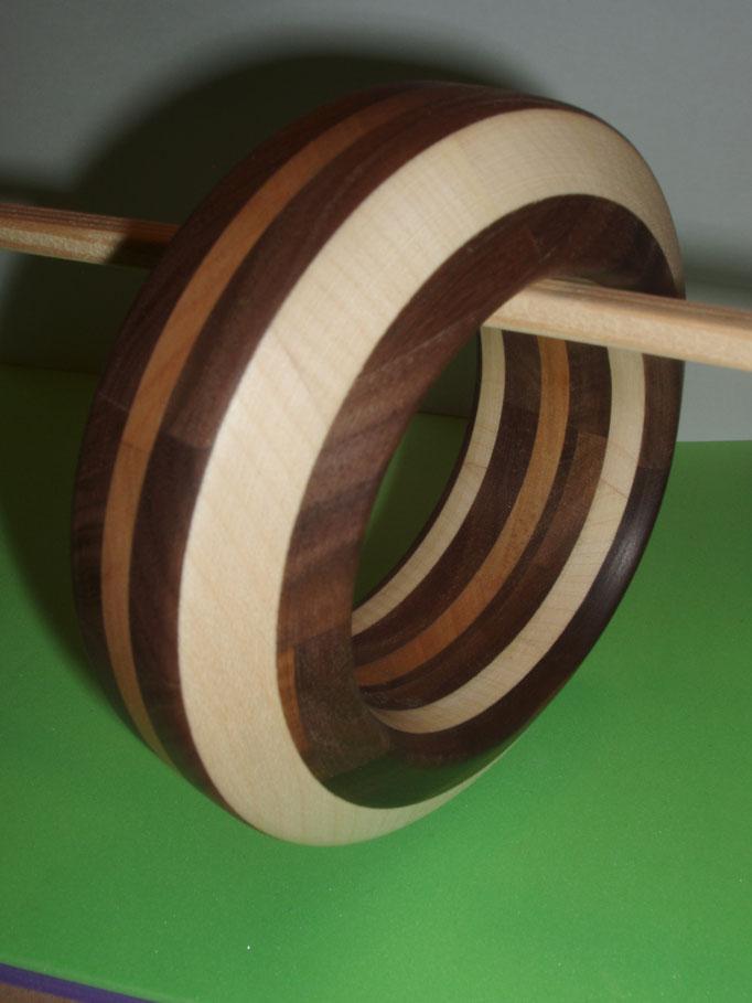 Nuss, Kirsch und Ahornholz Durchmesser innen 65 mm    Preis SFr 225.-         portofrei Vorkasse Nr. 1799230