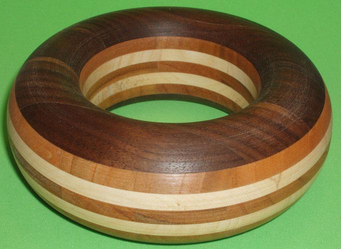 Nuss, Kirsch und Ahornholz Durchmesser innen 65 mm    Preis SFr. 225.-         portofrei Vorkasse Nr. 1711130