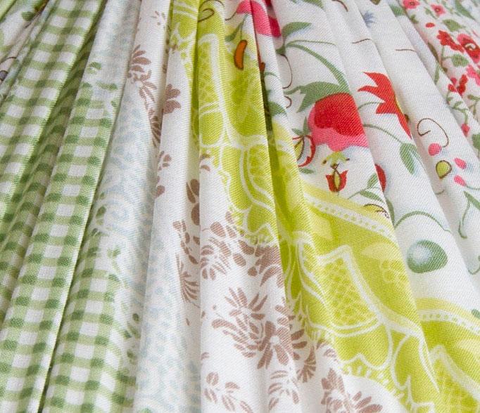 patchwork, fine pleats, abat jour, conique
