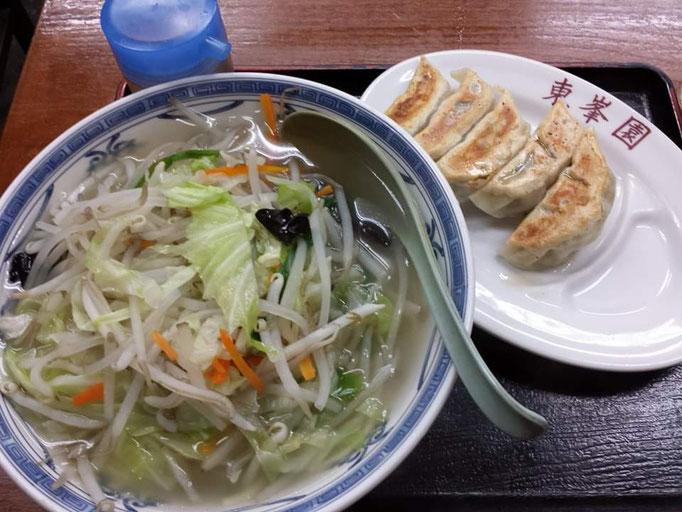 東峯園さんの御岳ラーメン(塩)&ギョーザ