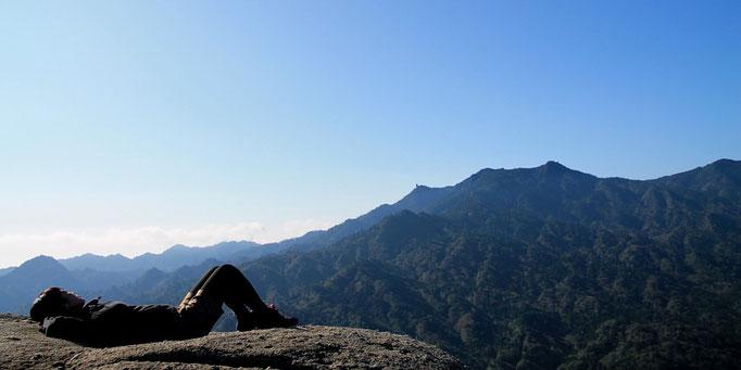 早朝の太鼓岩でのんびり