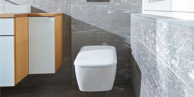 Fliesenlegerfachbetrieb Fliesenfachgeschäft Matthias Raisch Referenzen: Natursteinplatten in der Toilette