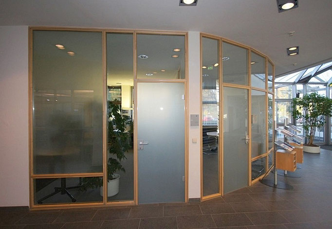 IHK in Weingarten verglaste Bürotrennwände