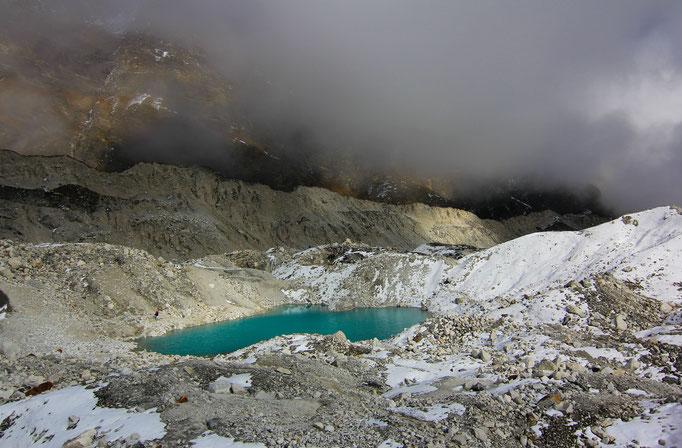 Ngozumpa-Gletscher bei Gokyo, der größte Gletscher Nepals