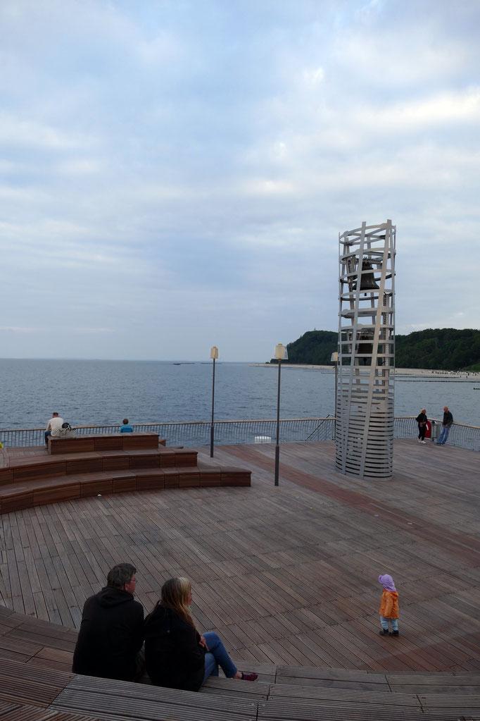der 8m hohe Glockenturm der Seebrücke