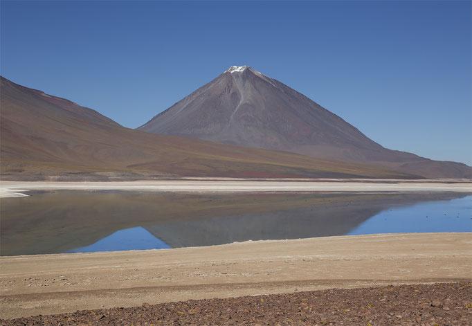 Vulcano Licancabur & Laguna
