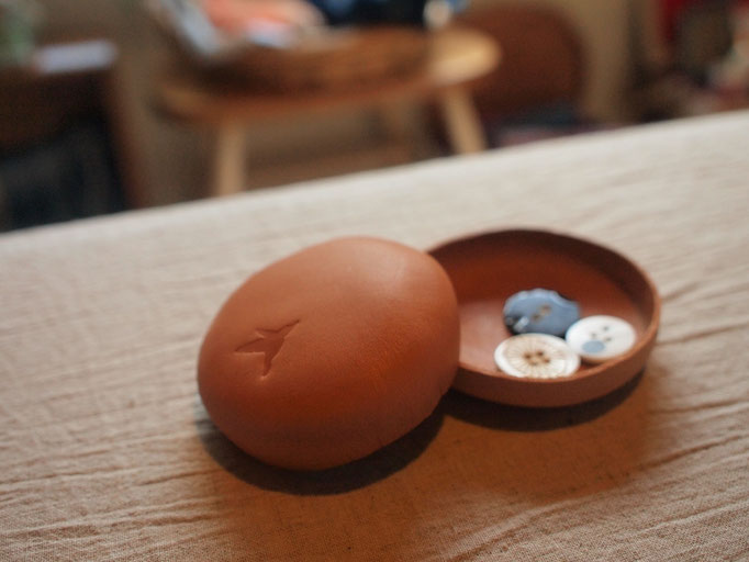 macarons 革の小物入れbyLittleTwitter